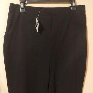 L.L. Bean Solid Black Capri Pants Size L Reg